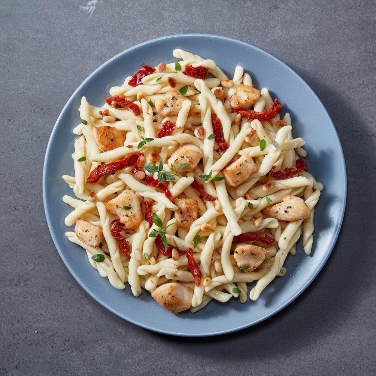 Bagietki z kurczakiem i suszonymi pomidorami